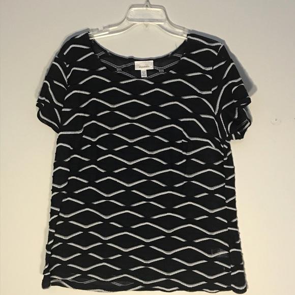 dressbarn Tops - Wavy knit top